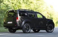 Nissan Pathfinder Individual mit Sonderlackierung in schwarz matt