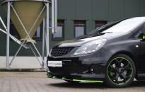 Opel Corsa D OPC Individual mit Akzenten in lime green
